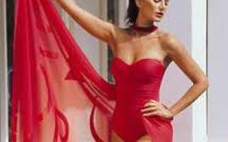 Какое парео подойдет к красному купальнику?