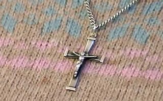 Какой должен быть нательный крестик?