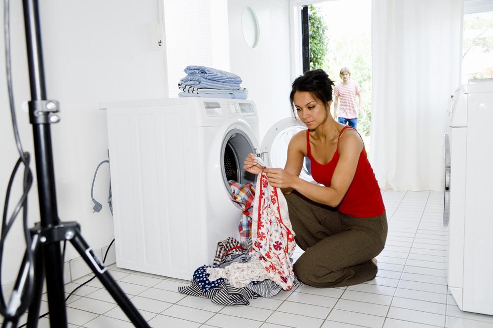 Почему стиральная машина плохо отжимает белье причины